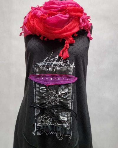 Dłuższa czarna sukienka